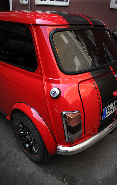 mini cooper mpi bj 98 rot mit streifen. Black Bedroom Furniture Sets. Home Design Ideas